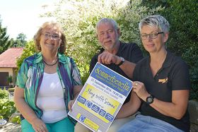 Doris Frank (links) konnte sich jetzt über eine Spende von Oskar  Langlitz (Mitte) und Sabine Sill in Höhe von 800 Euro freuen.